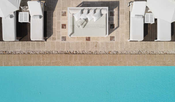 Canne Bianche: Pool