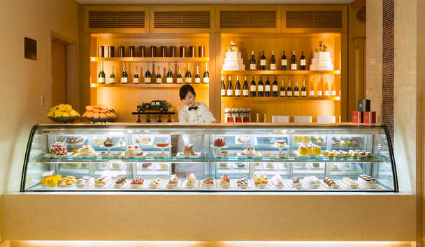 The Peninsula Tokyo: The Peninsula Boutique & Cafe