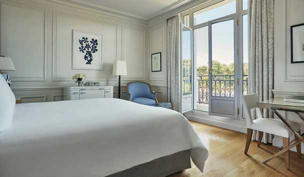 Grand-Hôtel du Cap-Ferrat, A Four Seasons Hotel: Superior Pinewood Room