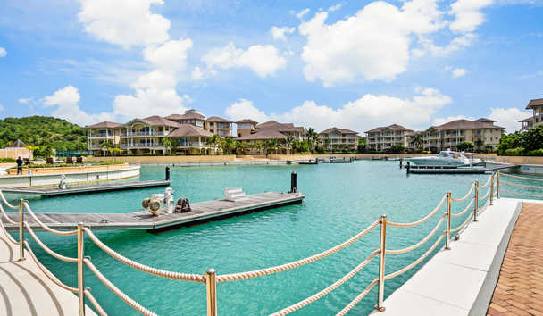 The Landings Resort & Spa by Elegant Hotels: Marina