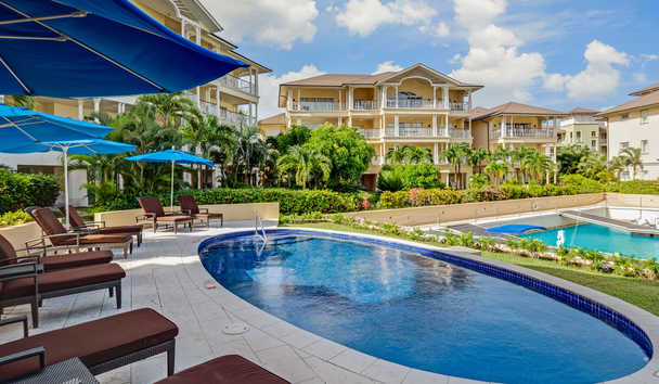The Landings Resort & Spa by Elegant Hotels: Oval Pool