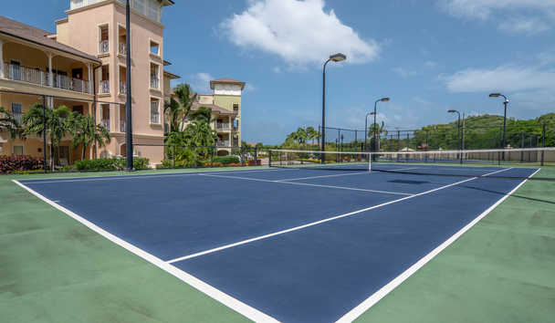 The Landings Resort & Spa by Elegant Hotels: Tennis Courts