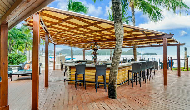 The Landings Resort & Spa by Elegant Hotels: Turquoise Bar