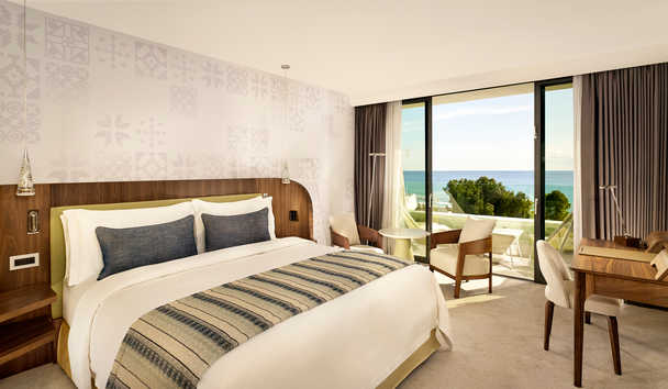 Parklane, a Luxury Collection Resort & Spa: Superior Sea View Room with Chromotherapy