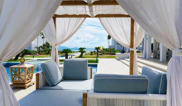 CuisinArt Golf Resort & Spa: Poolside