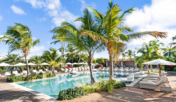 Hodges Bay Resort & Spa: Family Pool