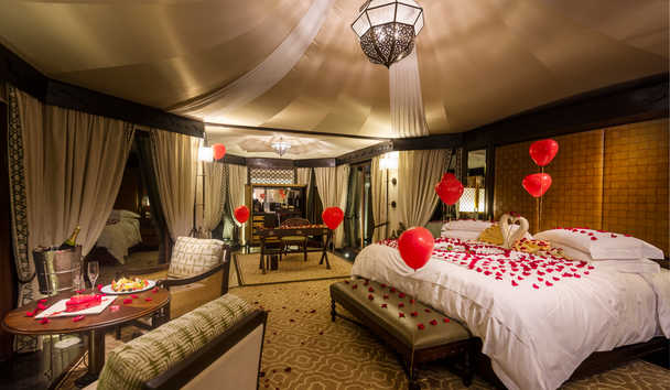 The Ritz-Carlton Ras Al Khaimah, Al Wadi Desert: Romantic Bedroom in Villa