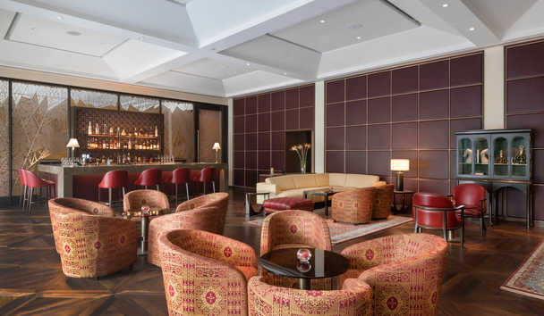 The Oberoi, New Delhi: The Club Bar
