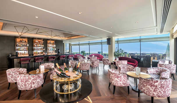 The Oberoi, New Delhi: Cirrus Bar