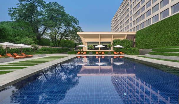The Oberoi, New Delhi: Swimming Pool