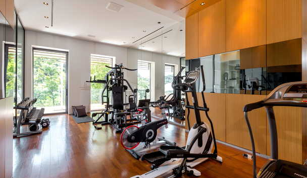 Cliff Top Residence: Fitness Room