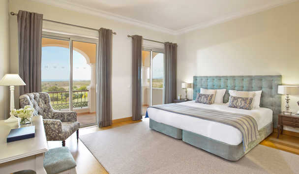 Monte Rei Golf & Country Club: Detached Villa Master Bedroom