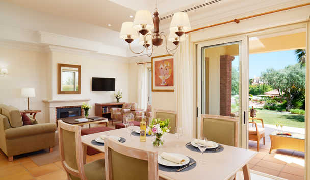 Monte Rei Golf & Country Club: Linked Villa Dining Room