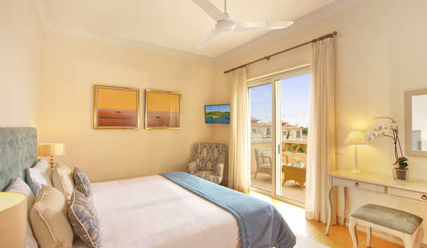Monte Rei Golf & Country Club: Linked Villa Master Bedroom