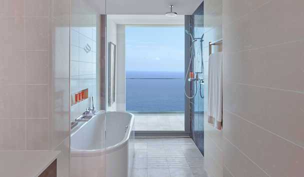 Jumeriah Port Soller Hotel & Spa: Deluxe Sea View Bathroom