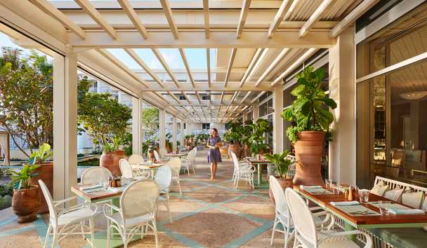 Four Seasons Resort Palm Beach: Florie's Terrace with Service