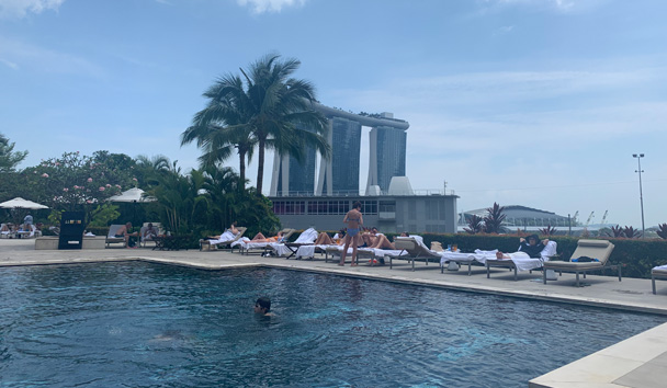 The stunning rooftop pool at the Mandarin Oriental Singapore