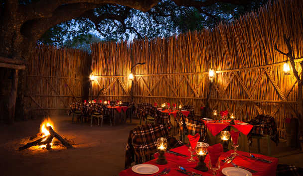 MalaMala Rattray's Camp: Outdoor Dining