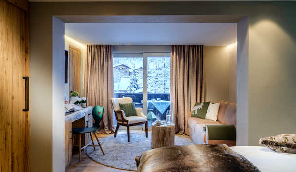 Hotel Arlberg: Deluxe Double Room with Balcony