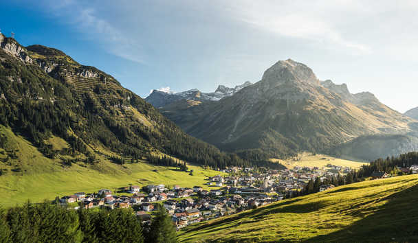 Hotel Arlberg: Summer in the Mountains