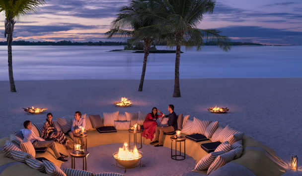 Shangri-La's Le Touessrok Resort & Spa, Mauritius: Republik Sandpit Evening