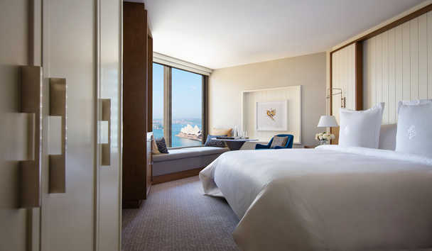 Four Seasons Hotel Sydney: Deluxe Partial Harbour Room