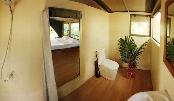 Elephant Hills: Rainforest Camp Floating Tent Bathroom