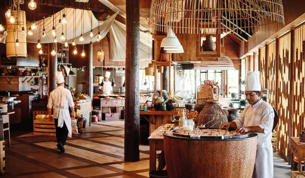 LUX South Ari Atoll - East Market Restaurant