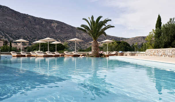 Blue Palace, A Luxury Collection Resort & Spa, Crete: Outdoor Pool by Votsalo Lounge