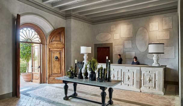 COMO Castello Del Nero: Reception