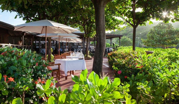 Hermitage Bay: Terrace dining