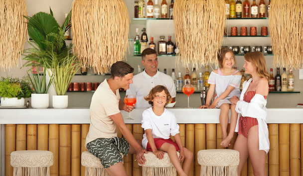 Ikos Aria: Family at Lagoon Bar